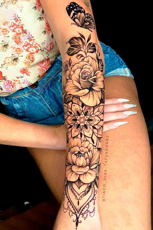 tatuagem-de-rosa-e-borboleta-no-antebraco-1