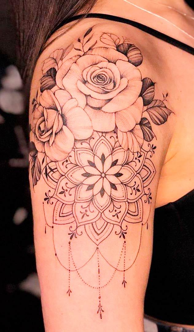 tatuagem-florida-na-parte-superior-do-braco-feminino-2020