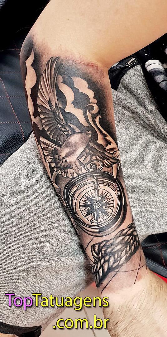 tatuagem-masculina-no-braço-105