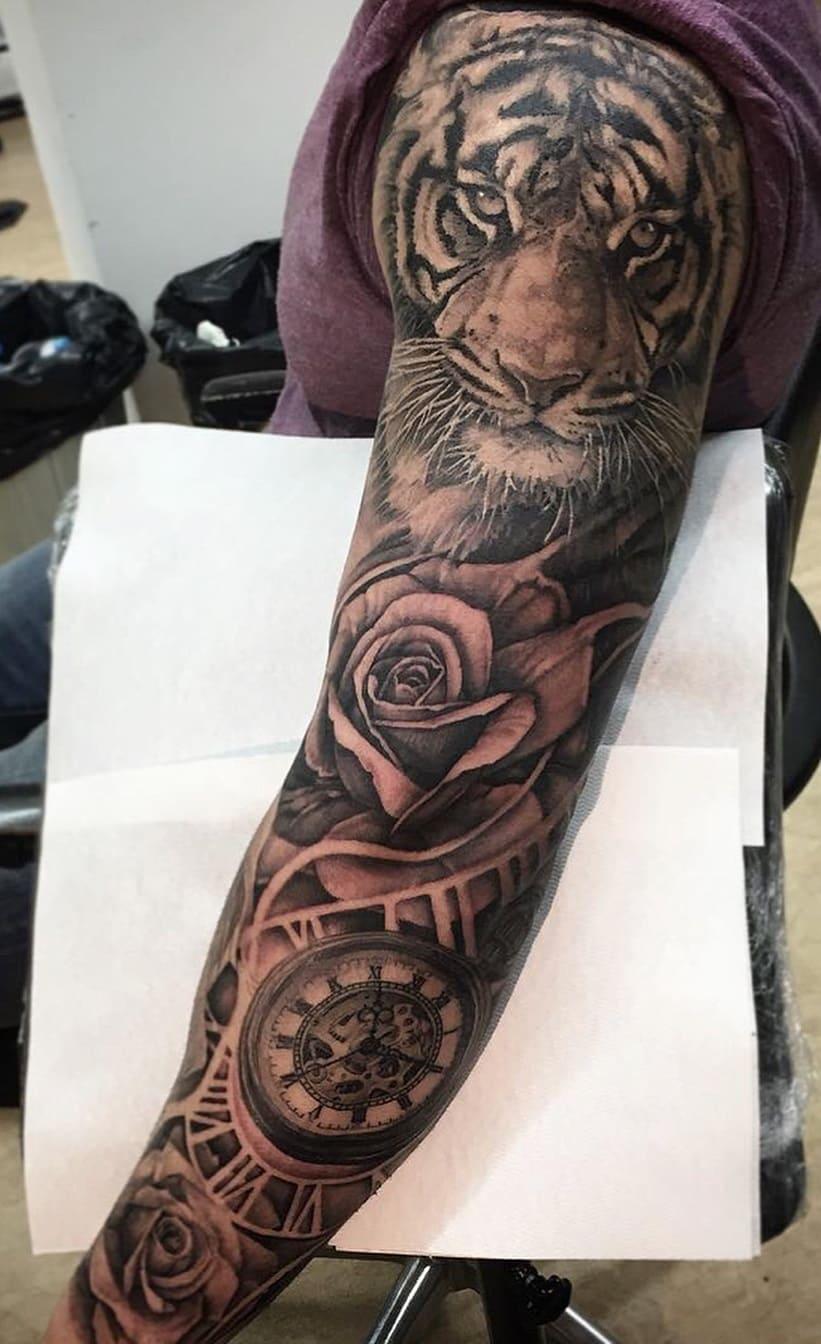 tatuagem-masculina-no-braço-13