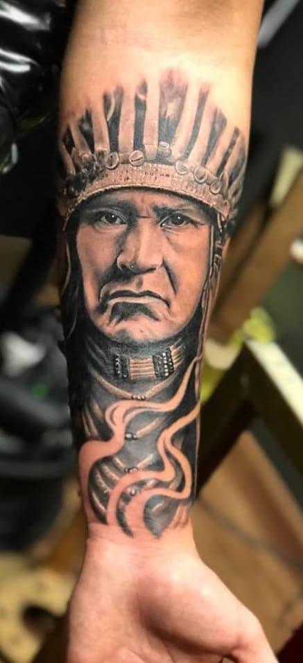 tatuagem-masculina-no-braço-34