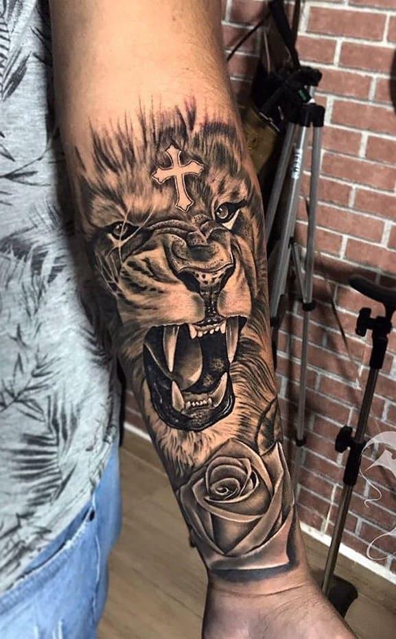 tatuagem-masculina-no-braço-61
