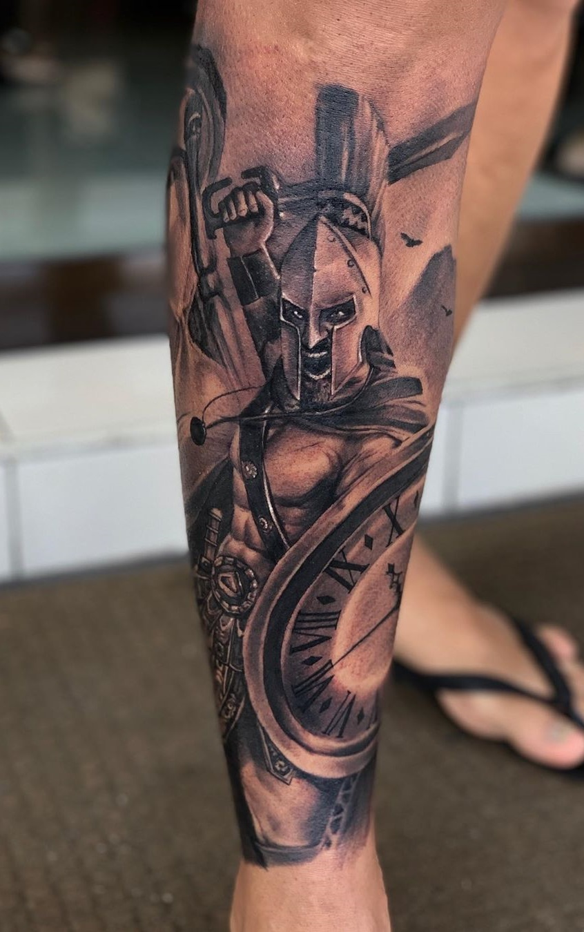 tatuagem-de-gladiador-na-perna