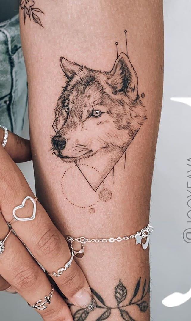fotos-de-tatuagens-femininas-de-lobo-11