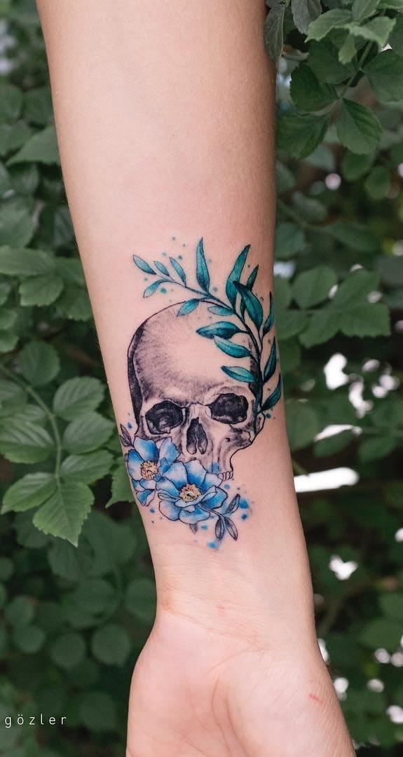 tatuagens-femininas-de-caveira-7
