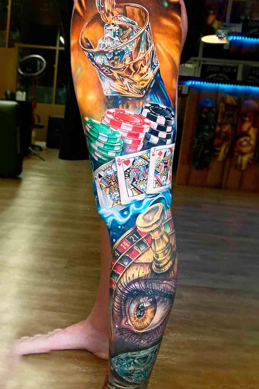 perna-fechada-de-tatuagem-de-jogos-de-azar