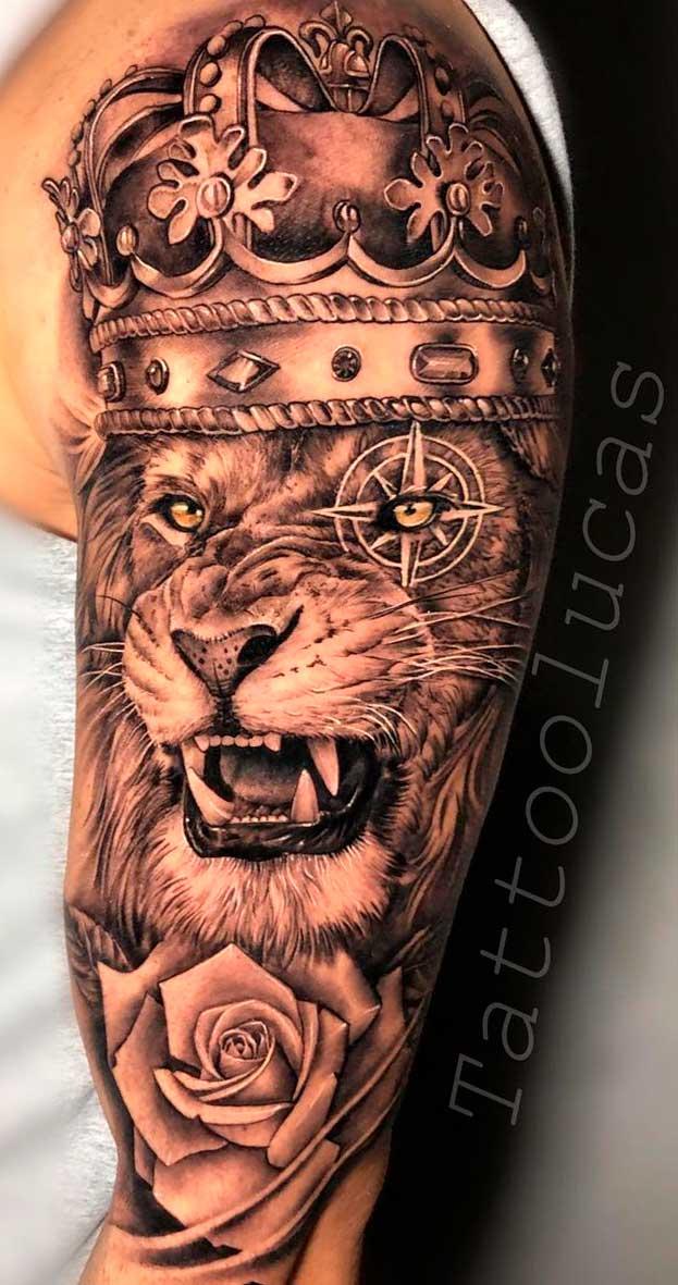 tatuagem-realista-de-leao-na-parte-superior-do-braco