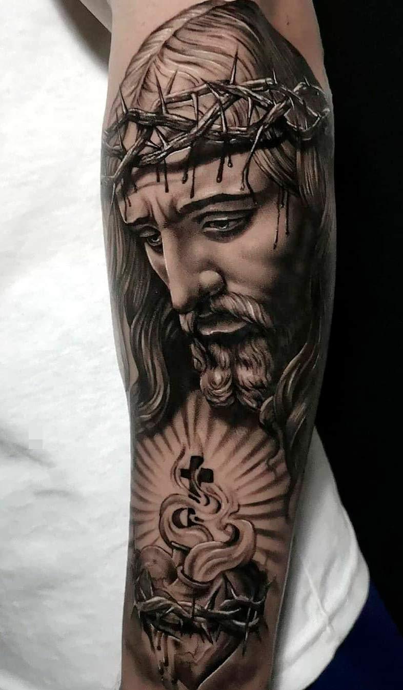 tatuagem-de-jesus-no-antebraco