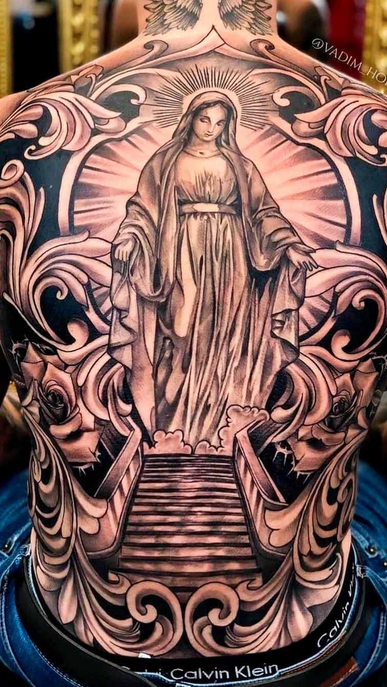tatuagem-religiosa-cobrindo-as-costas-inteira