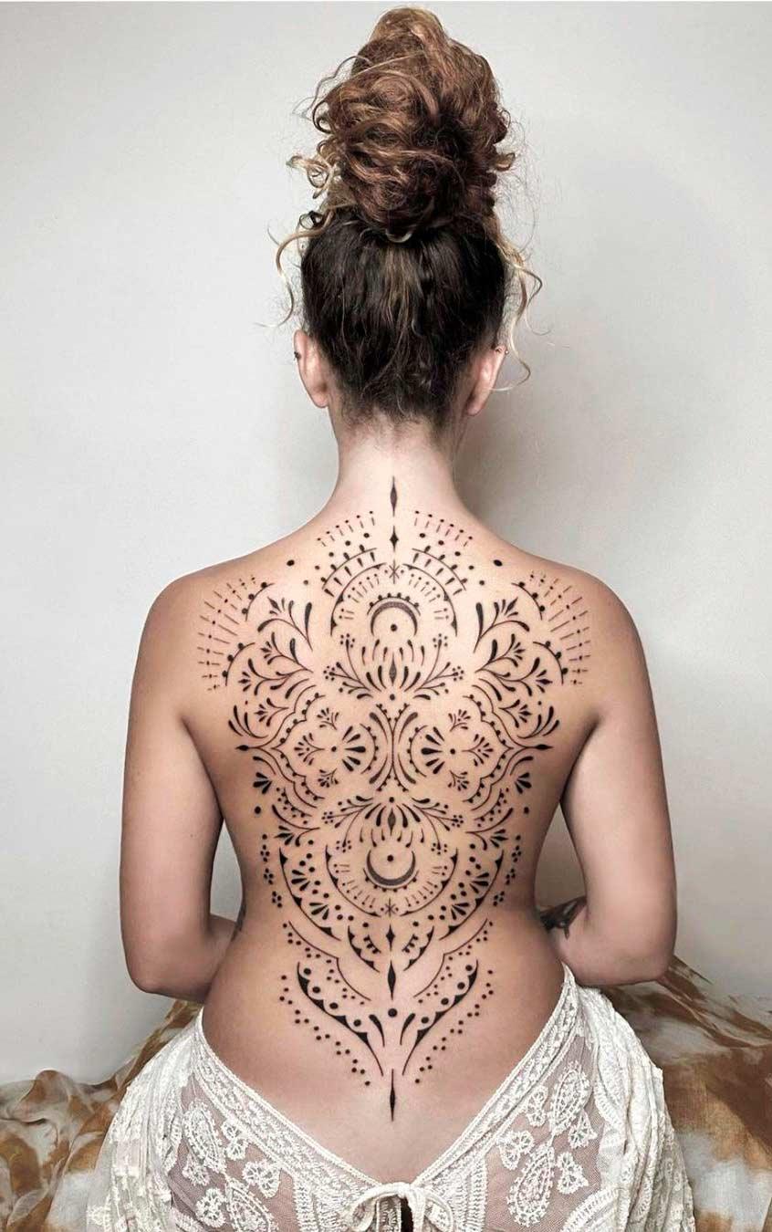 tatuagem-feminina-naas-costas