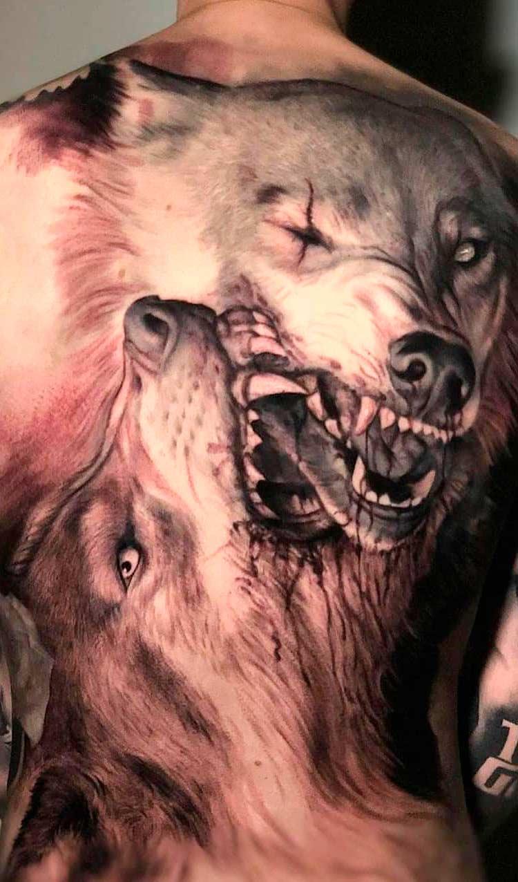 foto-de-tatuagem-masculina-nas-costas-3