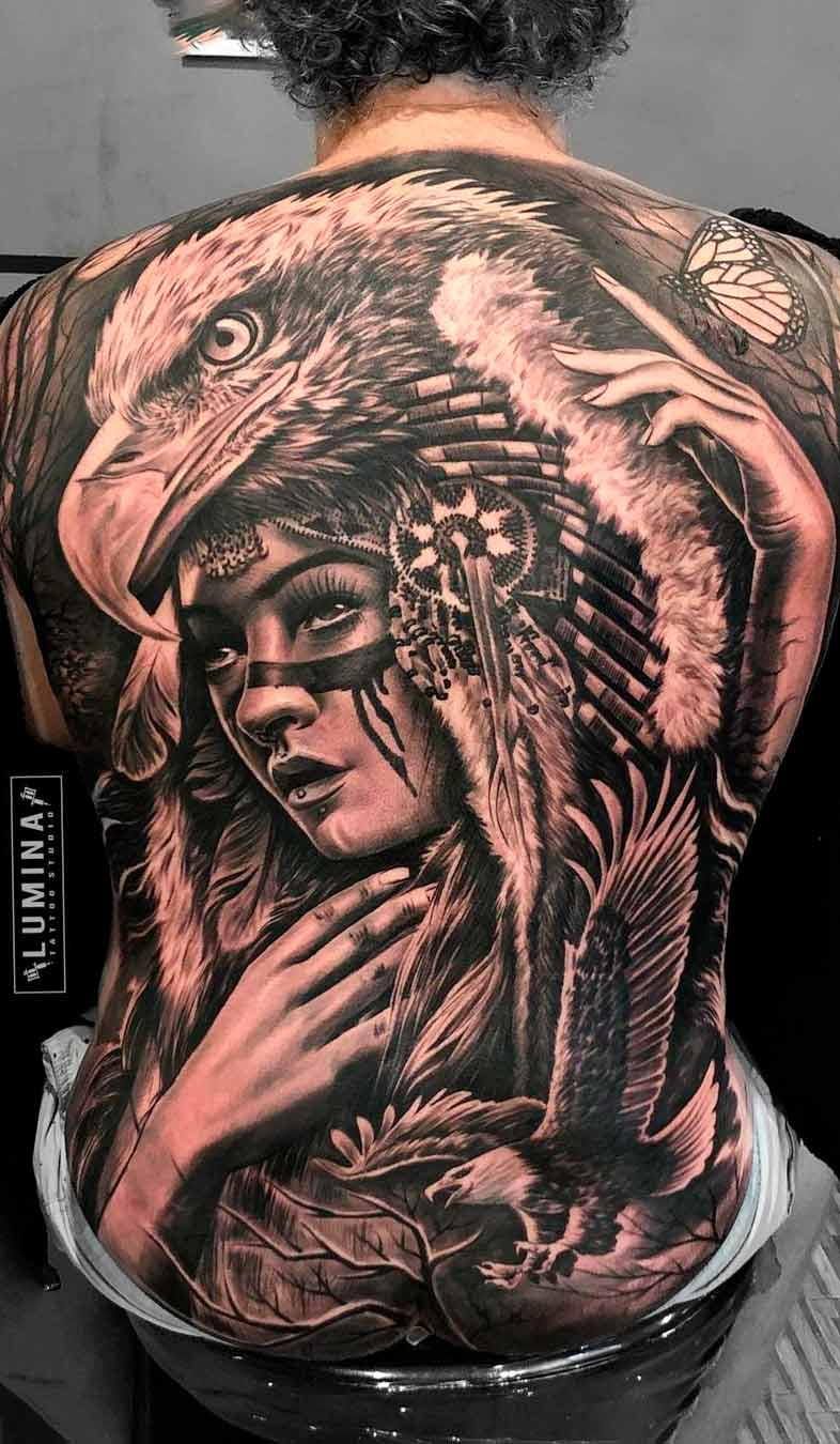 tatuagem-de-aguia-e-india-nas-costas