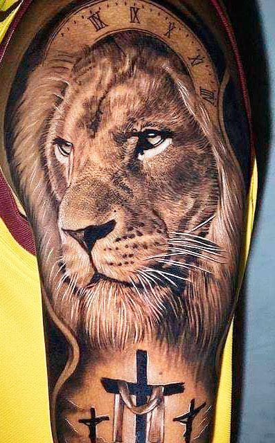 tatuagem-na-parte-superior-do-braco-masculino-2020-20