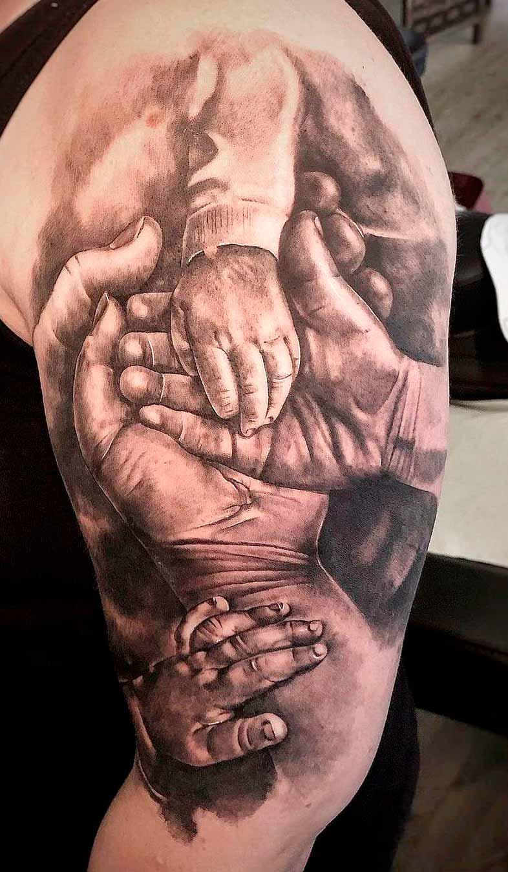 tatuagem-na-parte-superior-do-braco-masculino-2020-23