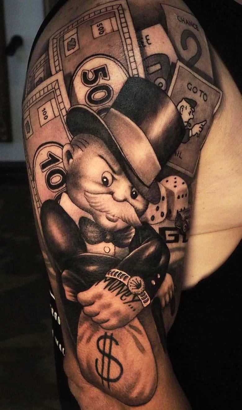 tatuagem-na-parte-superior-do-braco-masculino-2020-25