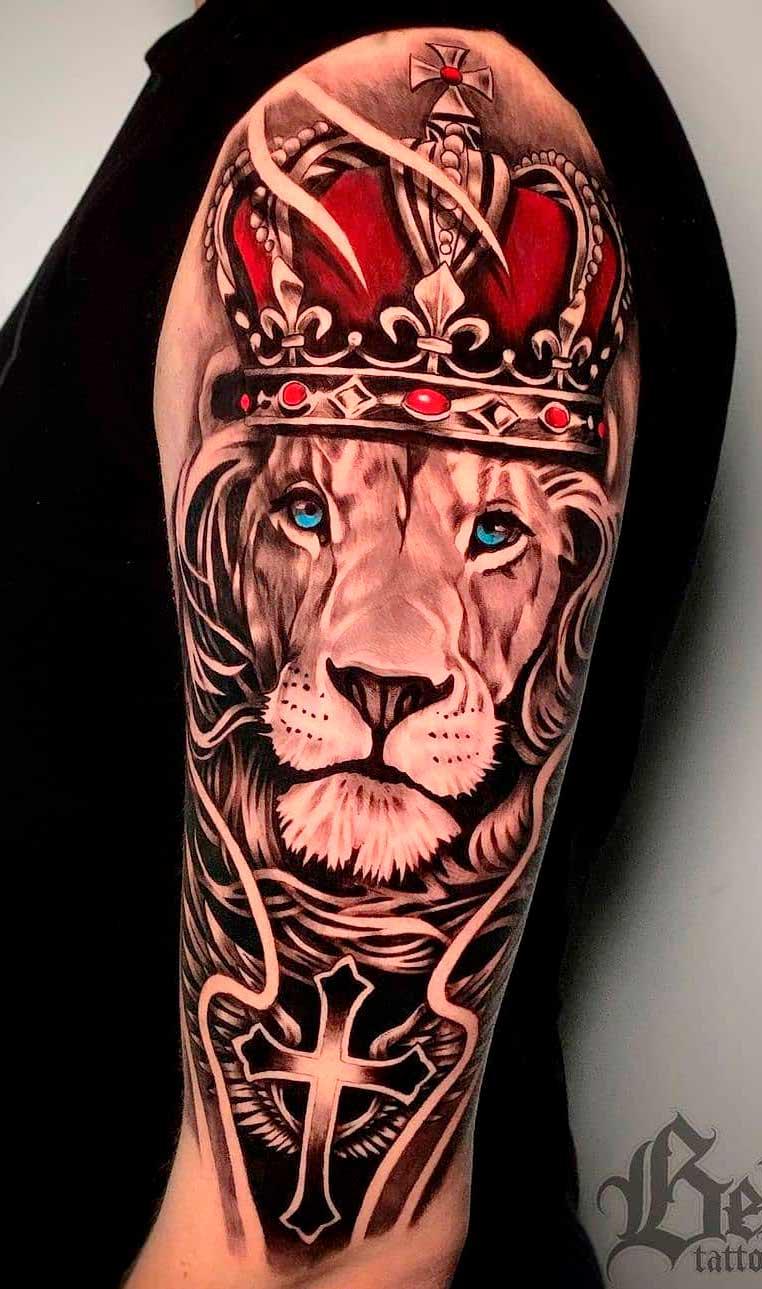 tatuagem-na-parte-superior-do-braco-masculino-2020-7
